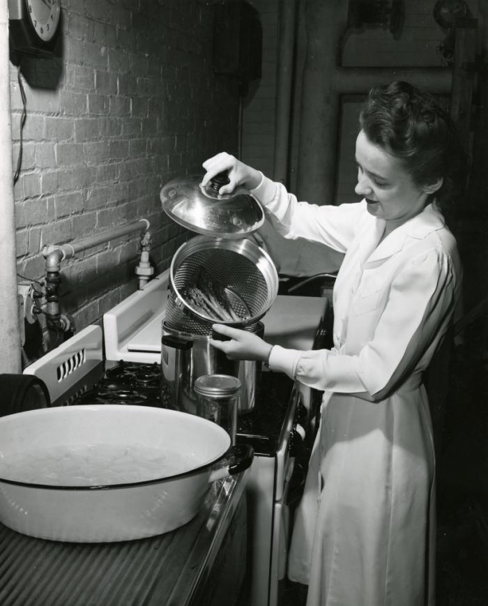 Lillian Anderson examines reheated asparagus
