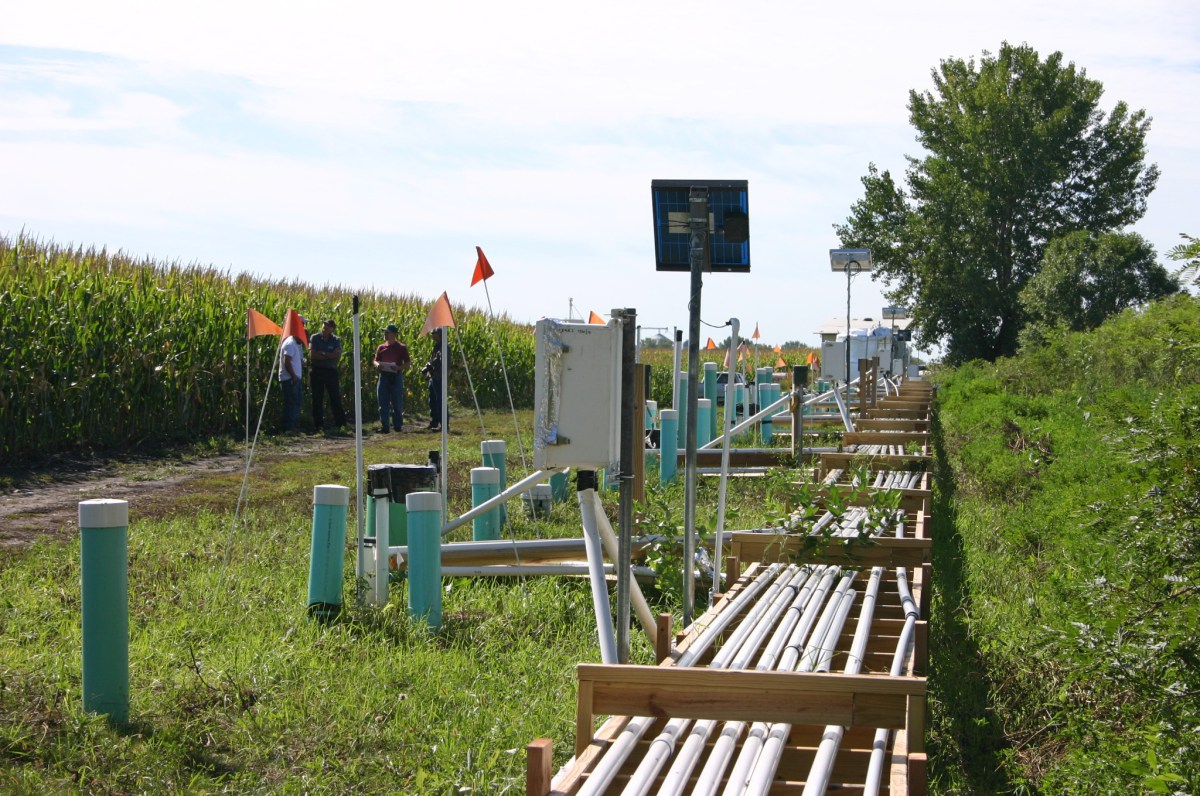 The 360-foot-long bioreactor in Willmar, Minn., is divided into compartments that allow researchers to test different conditions that can increase the system's efficiency. Credit: Michael Winikoff, BioTechnology Institute