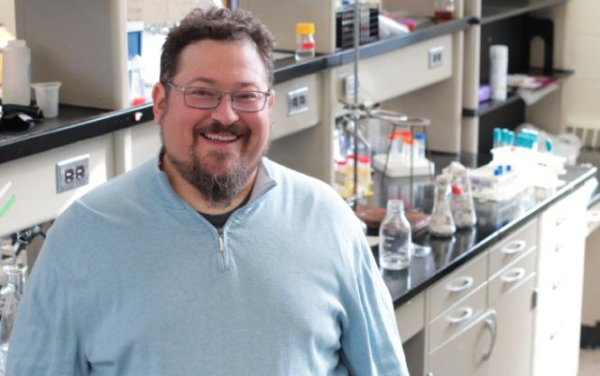 iGEM faculty advisor Jeffrey Gralnick