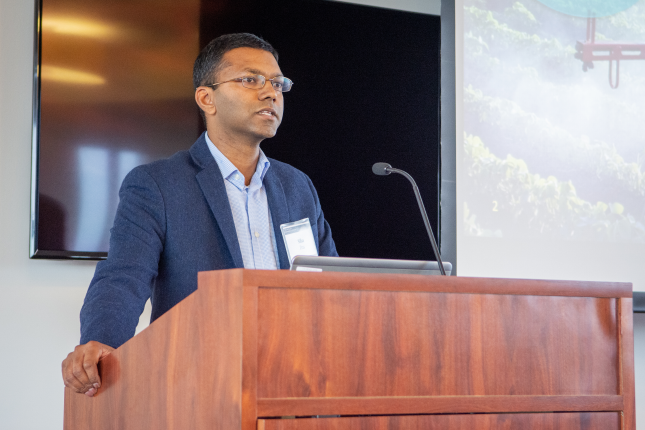 Siba Das of NovoClade presents to investors