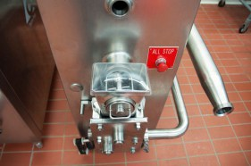 This is a particulate feeder for feeding in nuts or candy or anything else you can think of into ice cream.